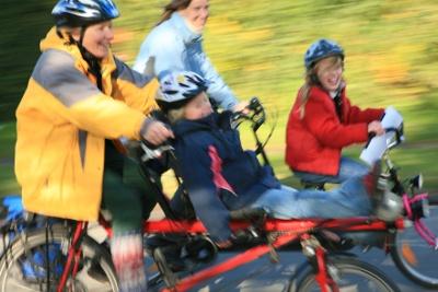 Wie sicher sind Pedelecs beim Kindertransport?