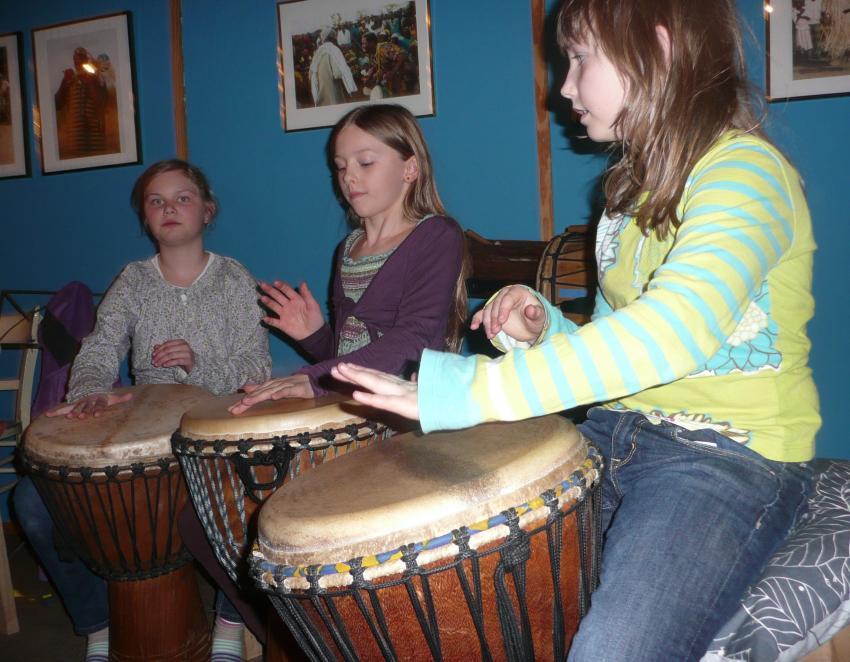 Laut und schön – Trommeln für Kinder
